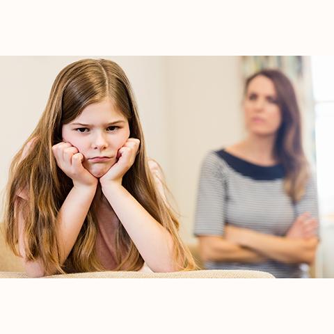 孩子頂嘴,不能光叫他住嘴!!需要有效管教,常見三種挑戰語言的教養方式